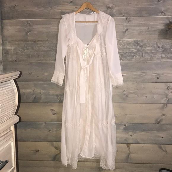 7721282b097 Vintage Romantic gown   robe. Boudoir. M 5ab936a2331627086f7d148e